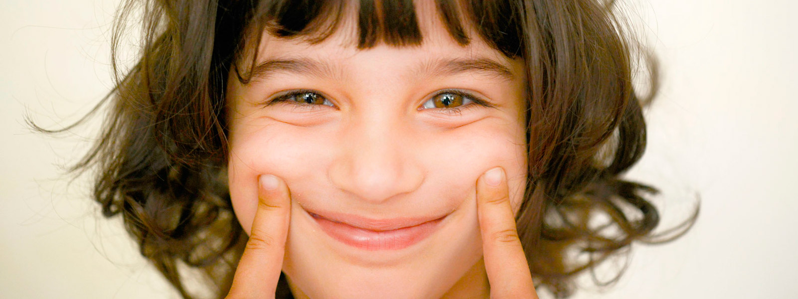 dentista_ninos_infancia_clinica_mallorca_dentista_1600x600